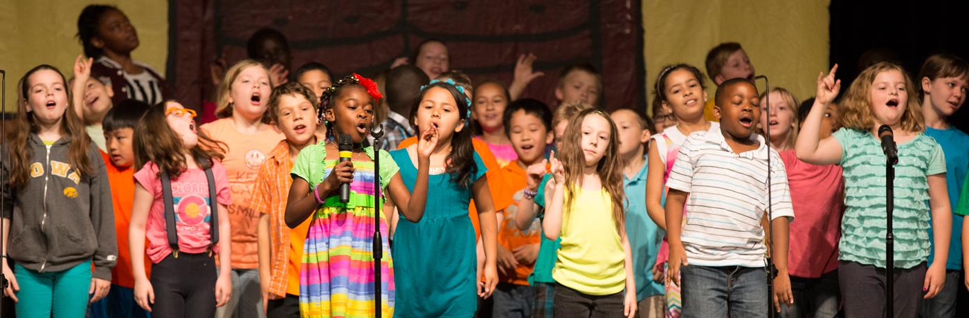 Hillis Elementary School Students Singing in Chorus
